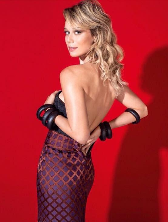 Mariana Ximenes Nude Photos 37