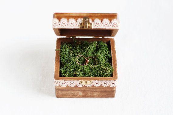 Boîte de porteur de lanneau de mariage par MissVintageWedding