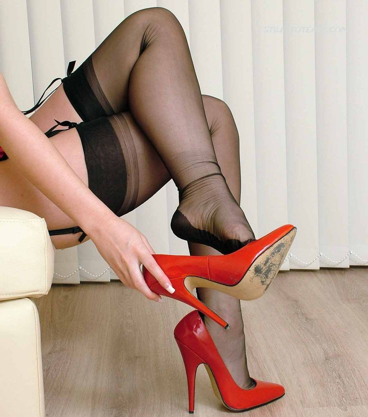 Threesomes In Nylons