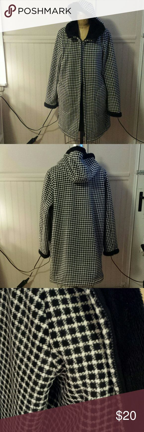SALE Uniqlo Coat -Uniqlo black and white plaid coat lined with fur; -Used a few times, it is in excellent conditions; -Size XL, I am a S and wore it oversized. Jackets & Coats