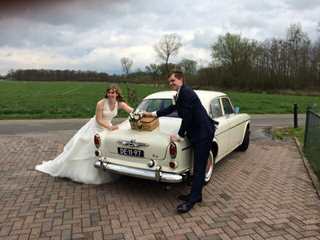 #bruiloft # trouwauto #Volvo #Amazon #bruidspaar  www.volvo-trouwauto.nl