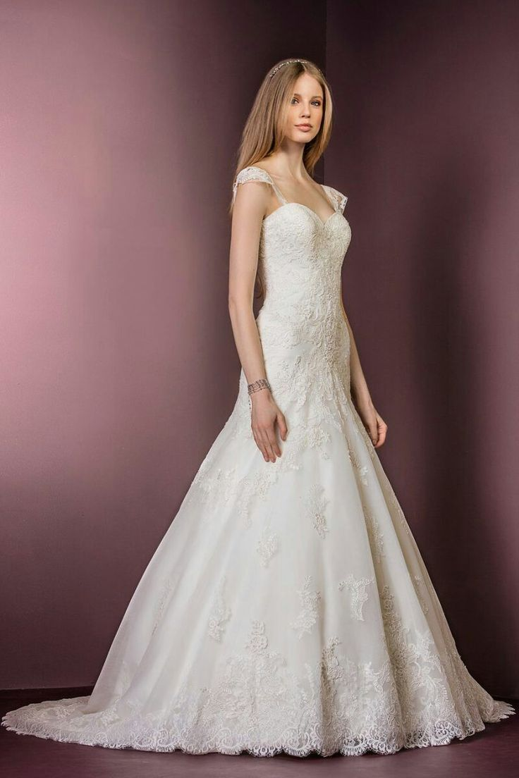 Beautiful Ellis Bridals lace and tulle fit and flare wedding gown with detachable straps 11479 www.timelessbride.co.uk.