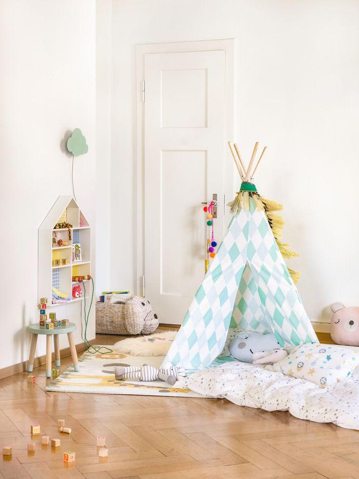 Micasa Kinderzimmer mit Tipi Spielzelt & Kinderhocker aus dem Programm FLEXA