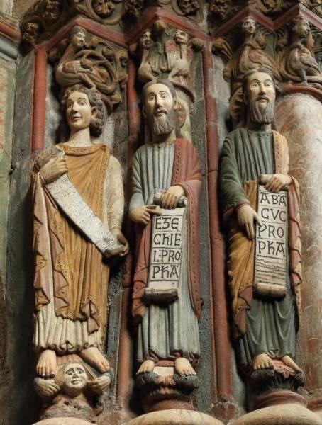 Catedral de Orense, Pórtico del Paraíso - Profeta Desconocido, Ezequiel y Habacuc