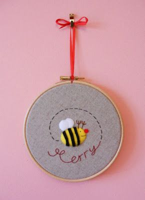 Christmas Tutorial: Merry Bee Picture from the Mason Bee
