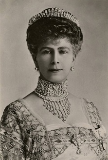 "Queen Mary's ""other"" Fringe tiara: Queen consort Mary of the United Kingdom, nee Princess Mary of Teck"