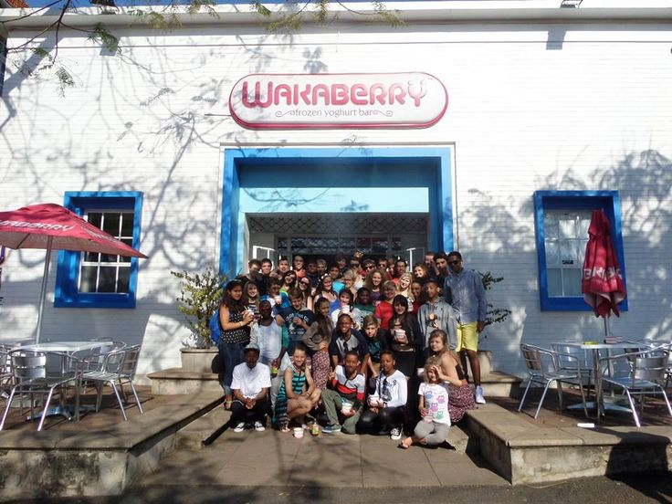 The cast of Grease came to Wakaberry Florida Road on Saturday for a bowl of happiness