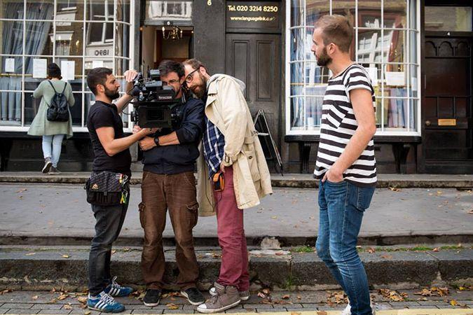 Intervista di Oggi al Cinema a Luca Vullo, autore, insegnante, regista, producer cinematografico che ha realizzato la propria fortuna a Londra. http://www.oggialcinema.net/luca-vullo-influx-londra/