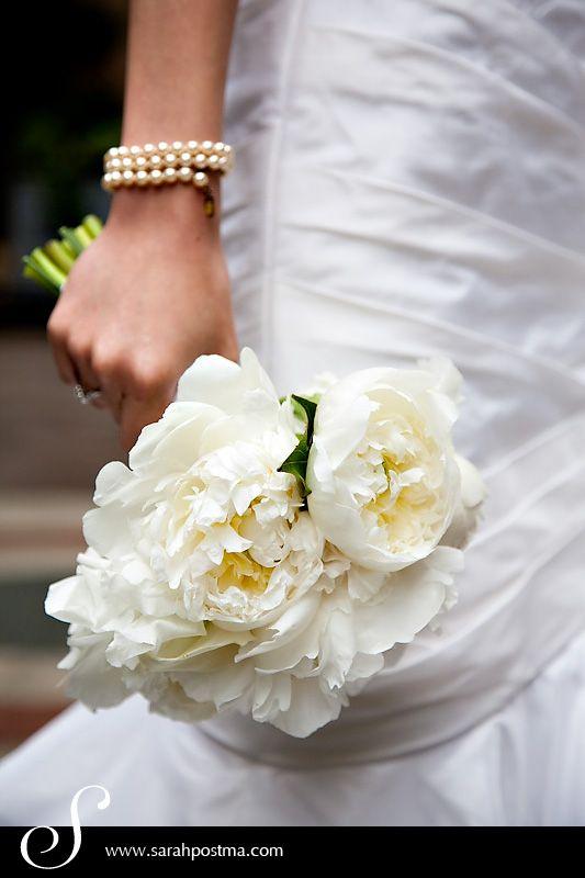 White_Peonie_Wedding_Bouquet