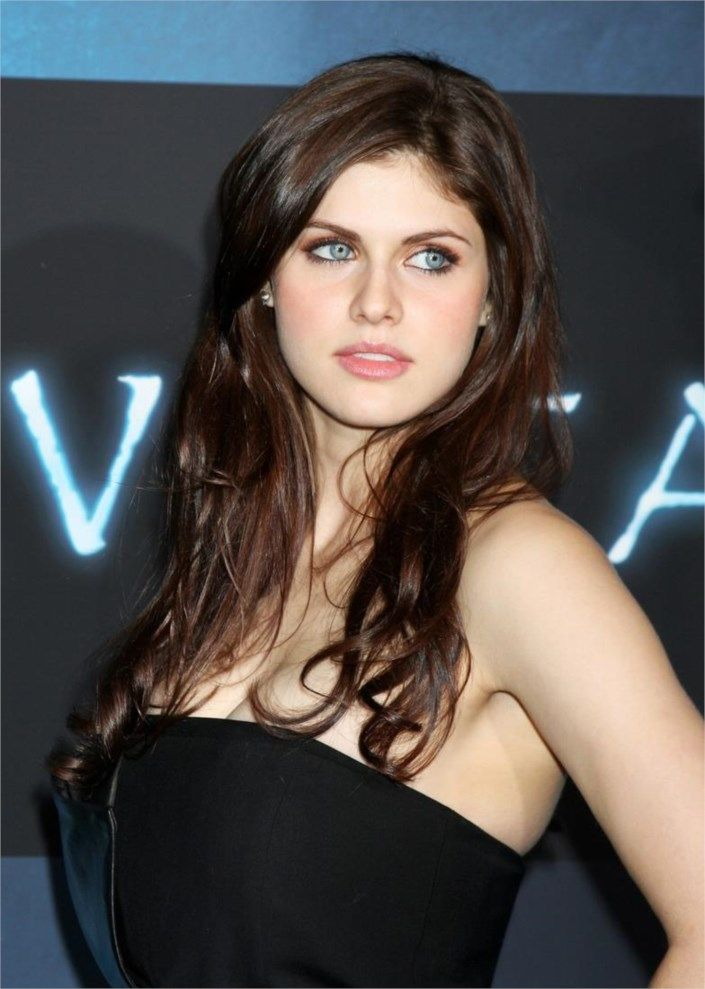 Alexandra Daddario Talks TEXAS CHAINSAW 3D  #hollywoodactress #celebritystyle