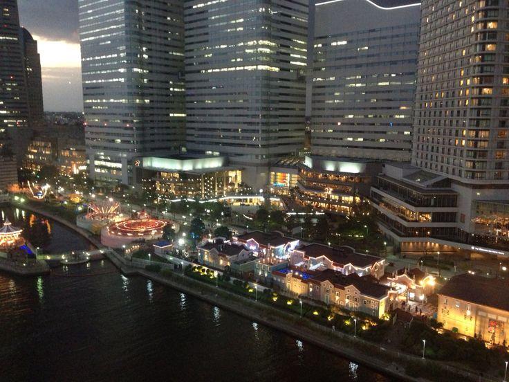 横浜 コスモ