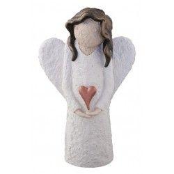 En kjempesøt, håndmalt engel, 23 cm høy. Håndlagd i Lillesand i kaldstøpt keramikk. Hvit engel med grov struktur, hjerte i kobberfarge og brunt hår. Nydelig håndmalt og ekte norsk! Pris kr. 329,-
