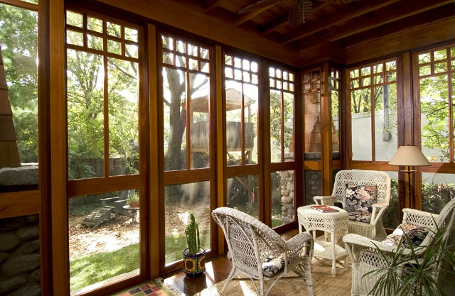 1000 ideas about screened in deck on pinterest screened for Craftsman style screened porch