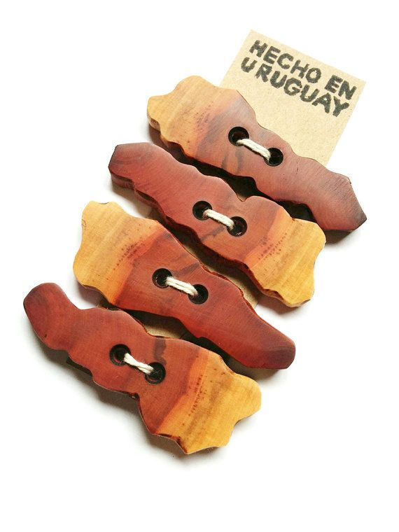 Set of 4 wooden buttons. Big wooden buttons. by RedWoodUruguay