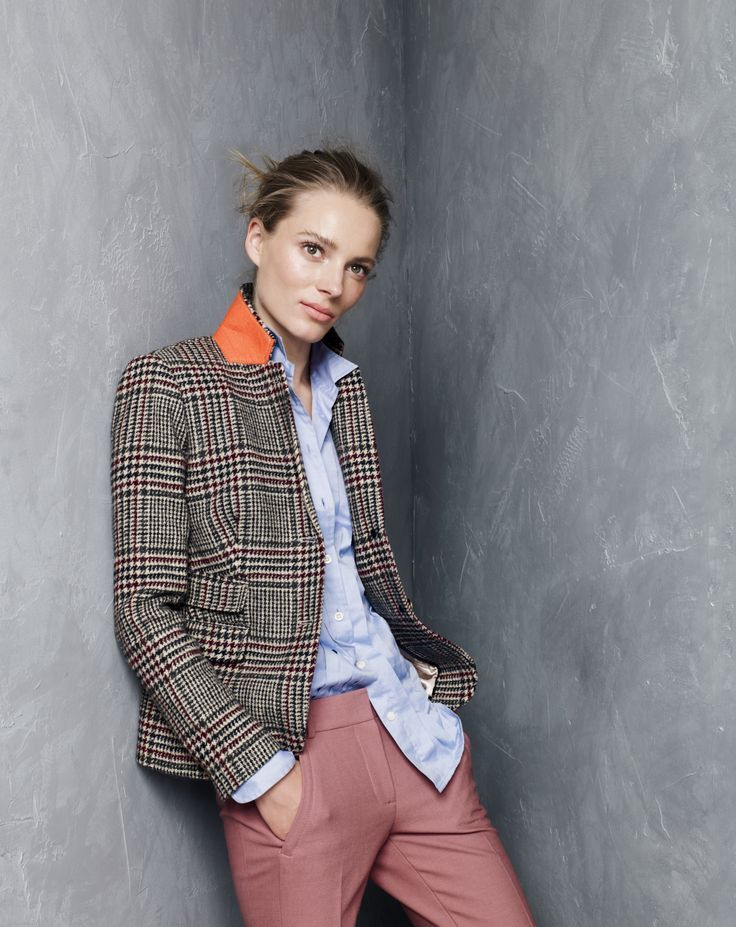 Does it get more classic than houndstooth? This schoolboy blazer from J Crew is begging to be part of our Fall wardrobe!