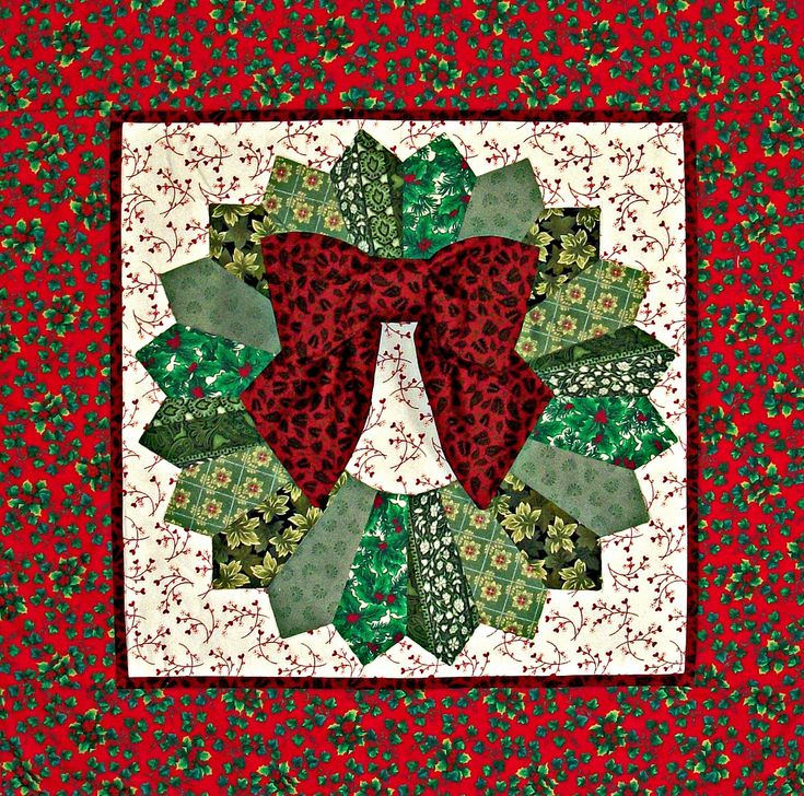 Quilt Pattern For Christmas Wreath : 25+ best ideas about Quilted Wall Hangings on Pinterest Quilt patterns, Patchwork patterns and ...