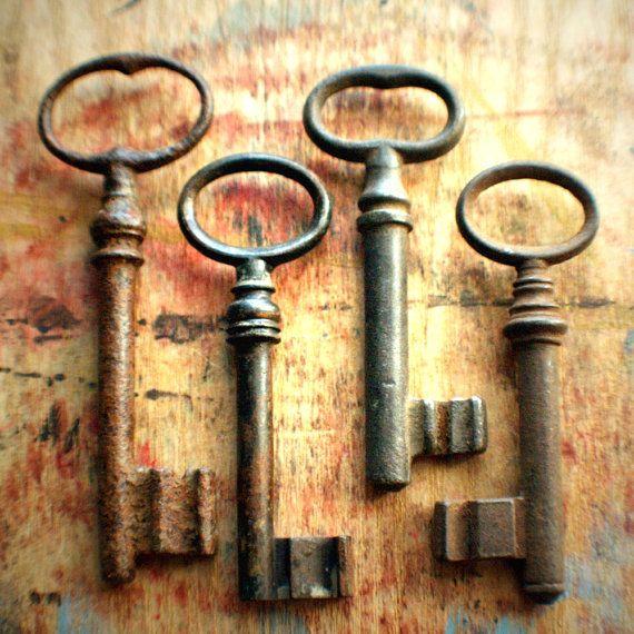 Rustic Farmhouse Antique Skeleton Key Set / Perfect by ashburylane
