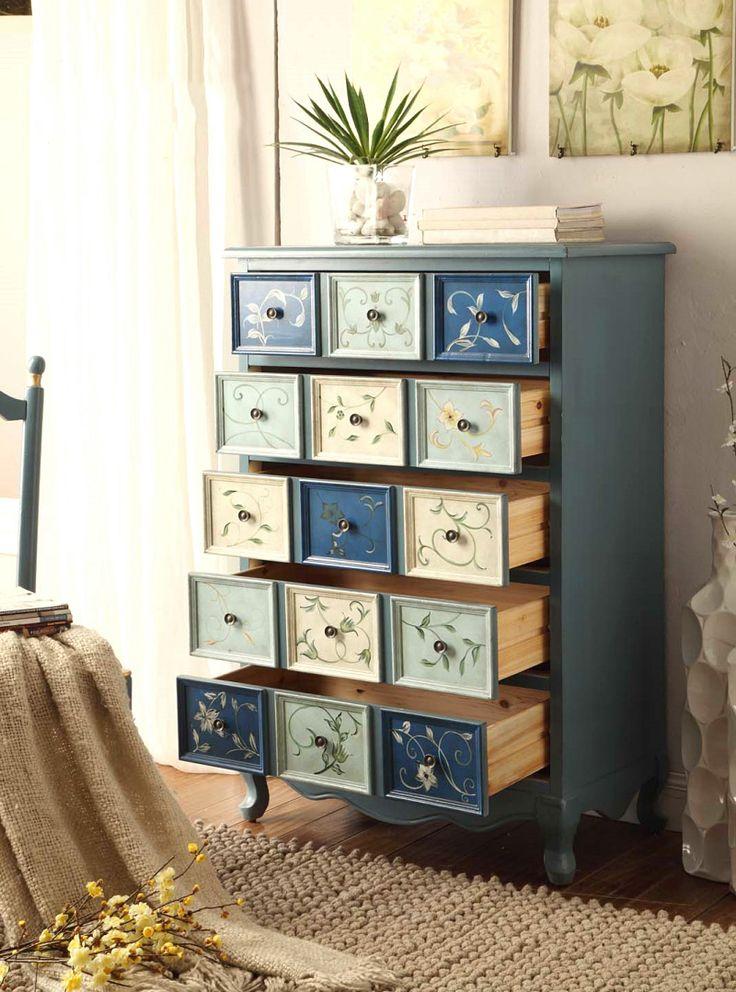 Голубой высокий комод с синими ящиками из дерева с рисунками купить в интернет-магазине мебели https://lafred.ru/catalog/catalog/detail/44608059194/