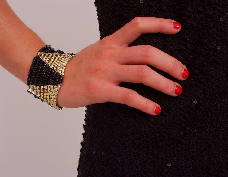 Brazalete combinado negro y dorado www.belleboheme.es
