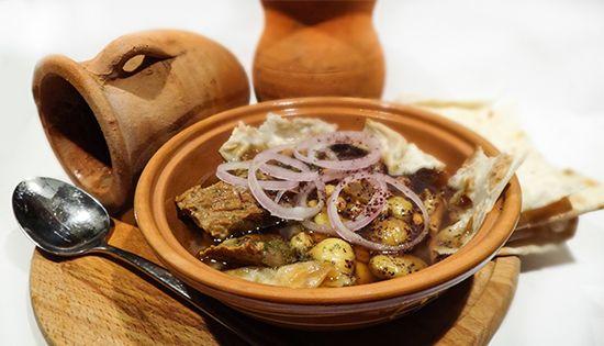 Азербайджанский суп «Пити» в глиняных питишницах из баранины с нутом, каштанами, алычой, сумахом, мятой, шафраном. Azerbaijani Soup «Piti»