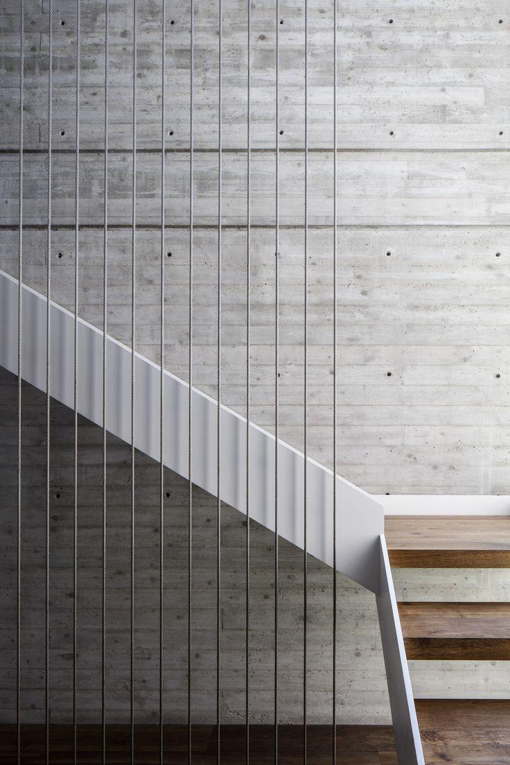 DUAL HOUSE BY AXELROD ARCHITECTS + PITSOU KEDEM ARCHITECTS