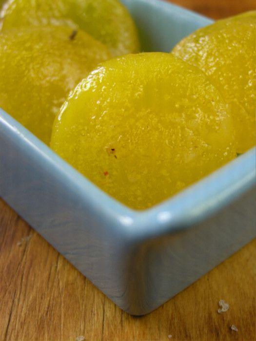 Популярность cured egg yolk, экспериментируют с которыми не только шеф-повара вот уже в течение последних трех лет, применяя их в качестве своеобразной приправы – натурального усилителя вкуса, заставила упомянуть их в «трендах-2017» даже такого гиганта как Маккормик. Откуда я и почерпнула…