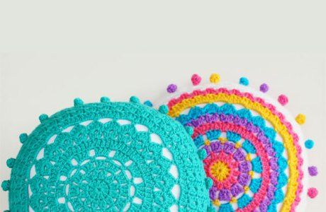 Free Pattern – Carnvial Cushion