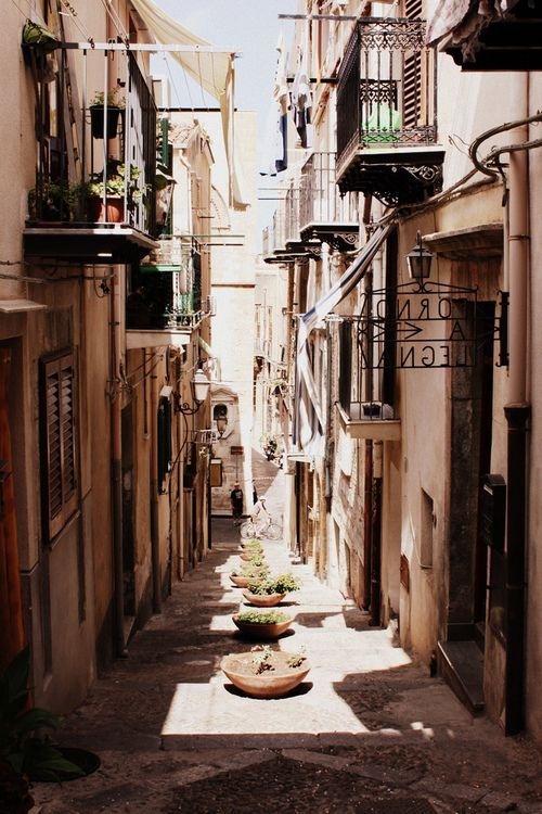 Cefalú, Sicily  #travel #dreamdestinations