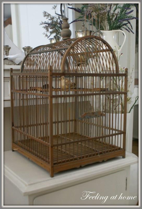 Brocante oude vogelkooi, old wooden birdcage.