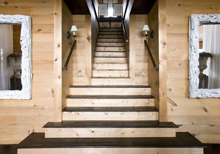 "252 Likes, 8 Comments - Susan Ferrier (@susanferrier) on Instagram: ""Pleasing symmetry #SusanFerrier #interiorinspo #stairs #homedecor #mirrors #lighting"""