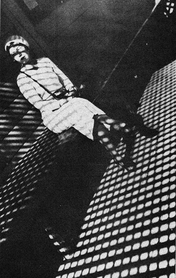 Aleksandr Mikhailovich Rodchenko foi um artista plástico, escultor, fotógrafo e designer gráfico russo, um dos fundadores do construtivismo russo e design moderno russo. Rodchenko era casado com a artista Varvara Stepanova.