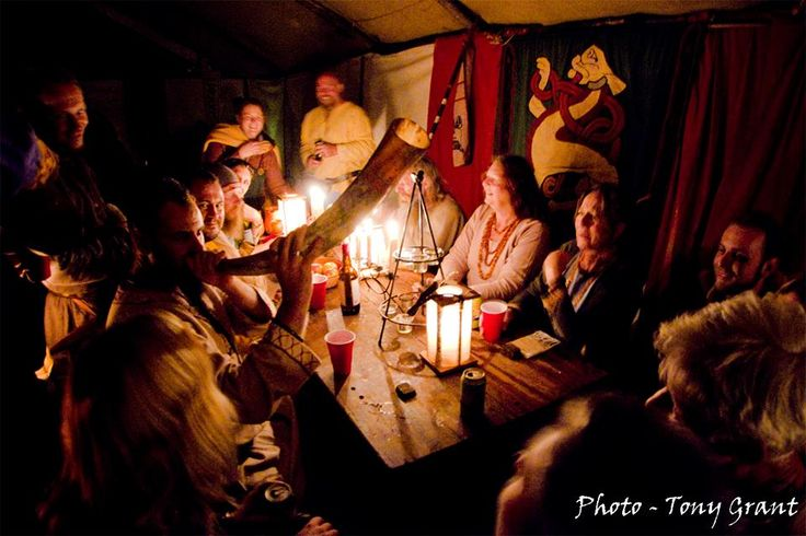 making merry in the Tavern at the Queens table 2016