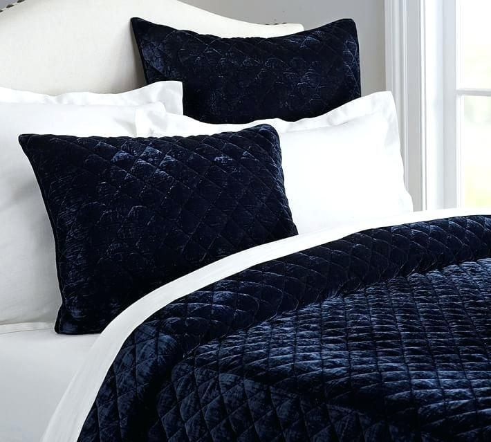 Give Your Room Royal Touch With Velvet Comforter Set 4 On Sale