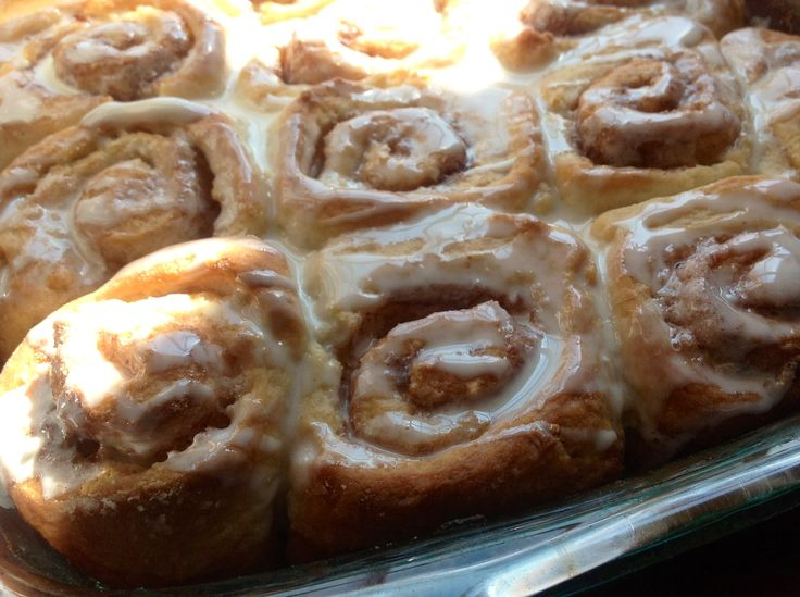 Warm Yummy Cinnamon Rolls made with 7-Up Biscuits? Easy and crazy-good ...