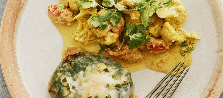 Stegt torsk i rispapir med urter og blomkålskarry