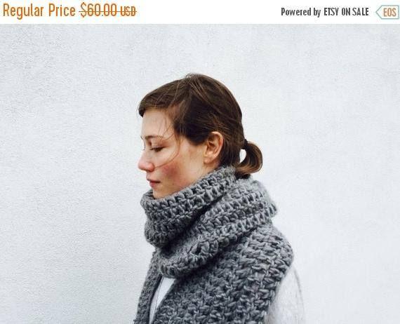 PRE FALL SALE Chunky Infinity grey scarf / Extra Long / Eloise