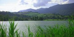 Der Badesee Thiersee in Tirol - lake Thiersee in Austria