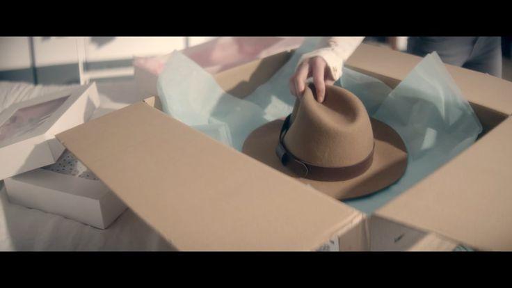 Client: PayPal Italy | le chapeau © Delasource