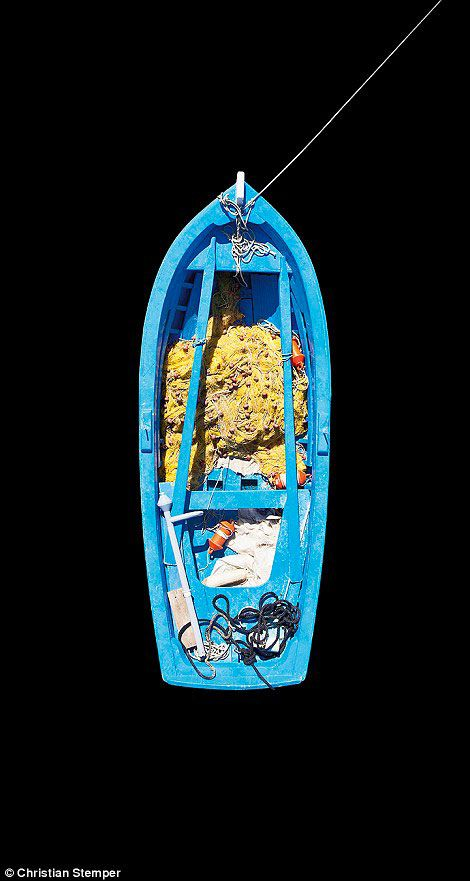 1-Yannis-Perantinos-bateau
