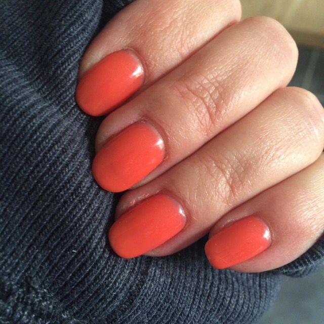 CND Shellac on natural nails - Desert Poppy