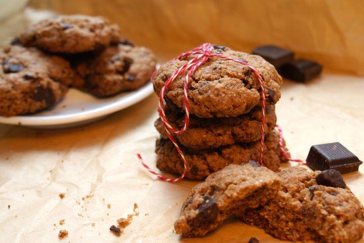 Homemade chocolate chip cookies. Altijd een reden voor zelfgemaakte chocolade koekjes en veganistisch ook nog