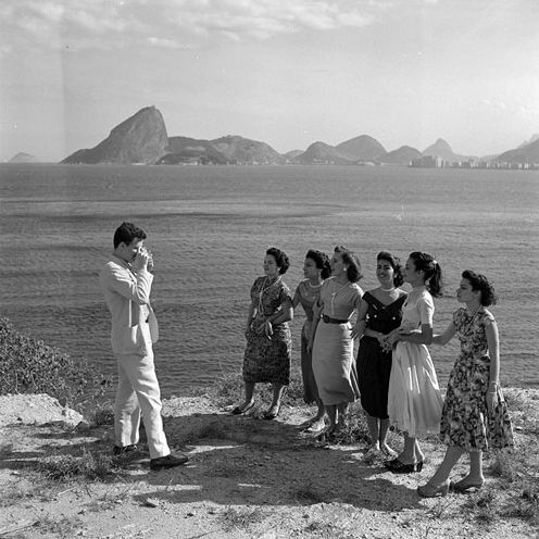 Foto na praia, Rio Jean Manzon, circa 1940