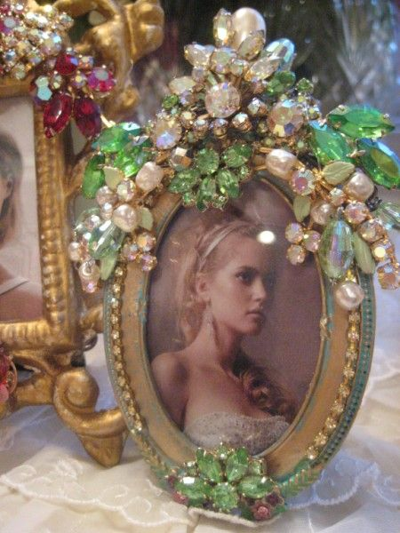 Exquisite Green Crystal Vintage Jeweled Frame