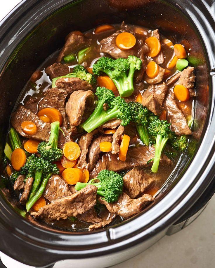Wie man Rindfleisch und Brokkoli im Slow Cooker besser als zum Mitnehmen zubereitet