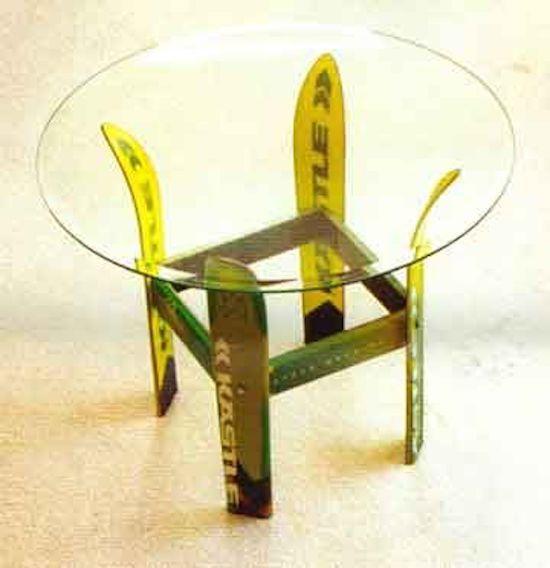 faire une table basse avec des skis recyclés