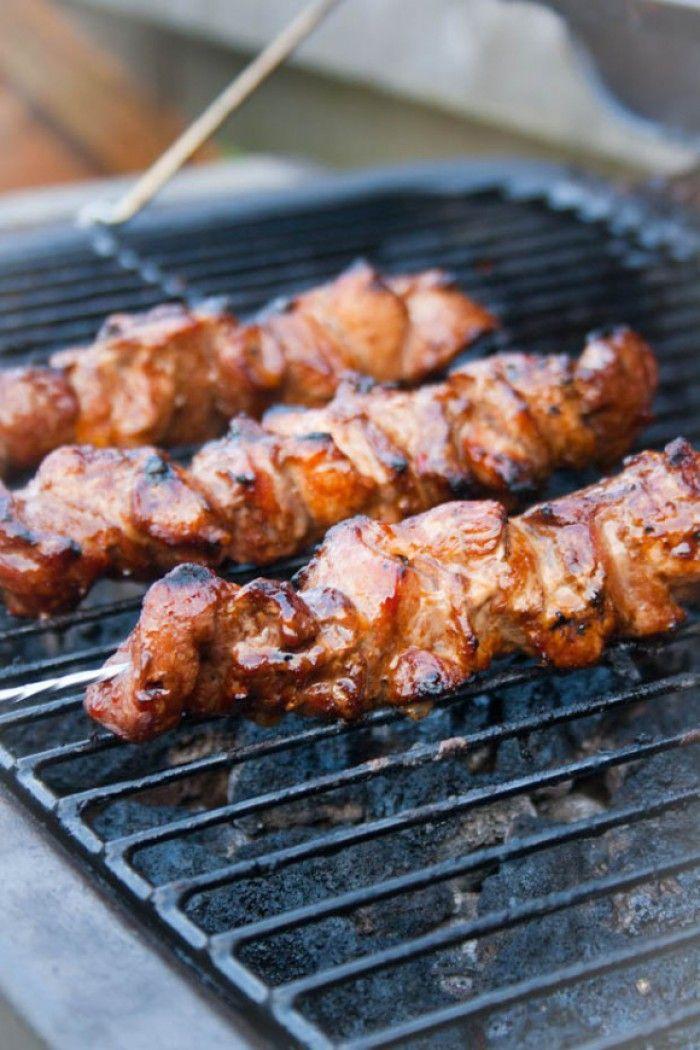 Saté babi. Saté van varkensvlees. Lekker op de BBQ maar kan ook prima in de pan gebakken worden.