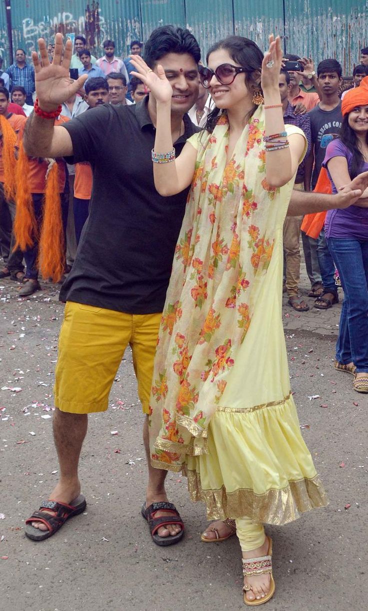 Divya Khosla and Bhushan Kumar at Ganpati visarjan