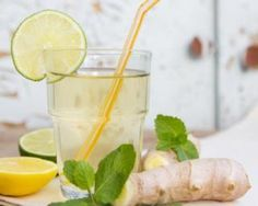 Limonade aphrodisiaque ultra light citron, gingembre et menthe : http://www.fourchette-et-bikini.fr/recettes/recettes-minceur/limonade-aphrodisiaque-ultra-light-citron-gingembre-et-menthe.html