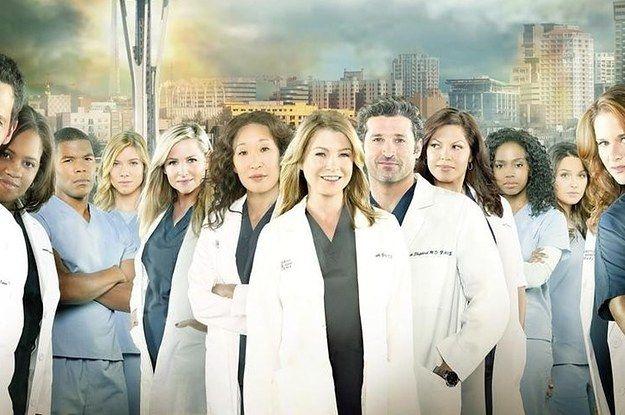 En la programa de Grey's Anatomy las personas representan cirguias cada dia.
