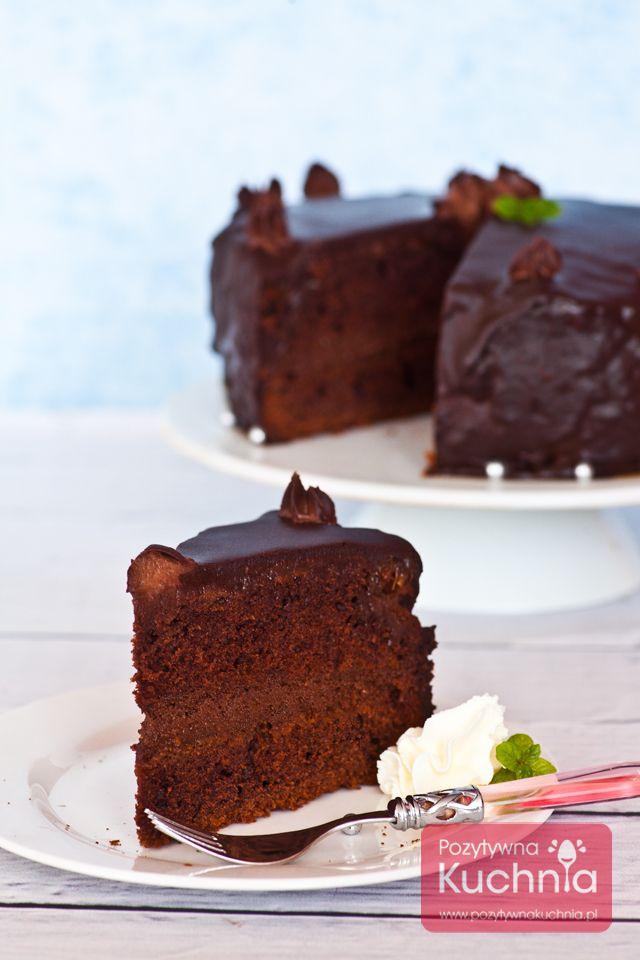 #przepis na #ciasto czekoladowe potrójnie: z kremem czekoladowym i polewą z czekolady  http://pozytywnakuchnia.pl/ciasto-czekoladowe/  #kuchnia #czekolada